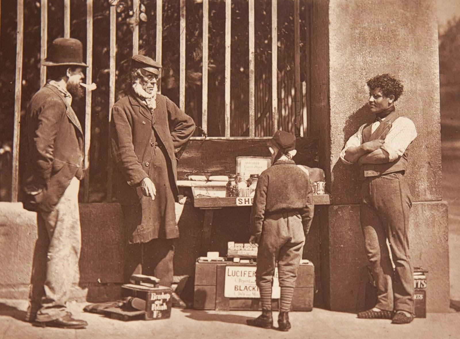 1877. Уличный чистильщик обуви
