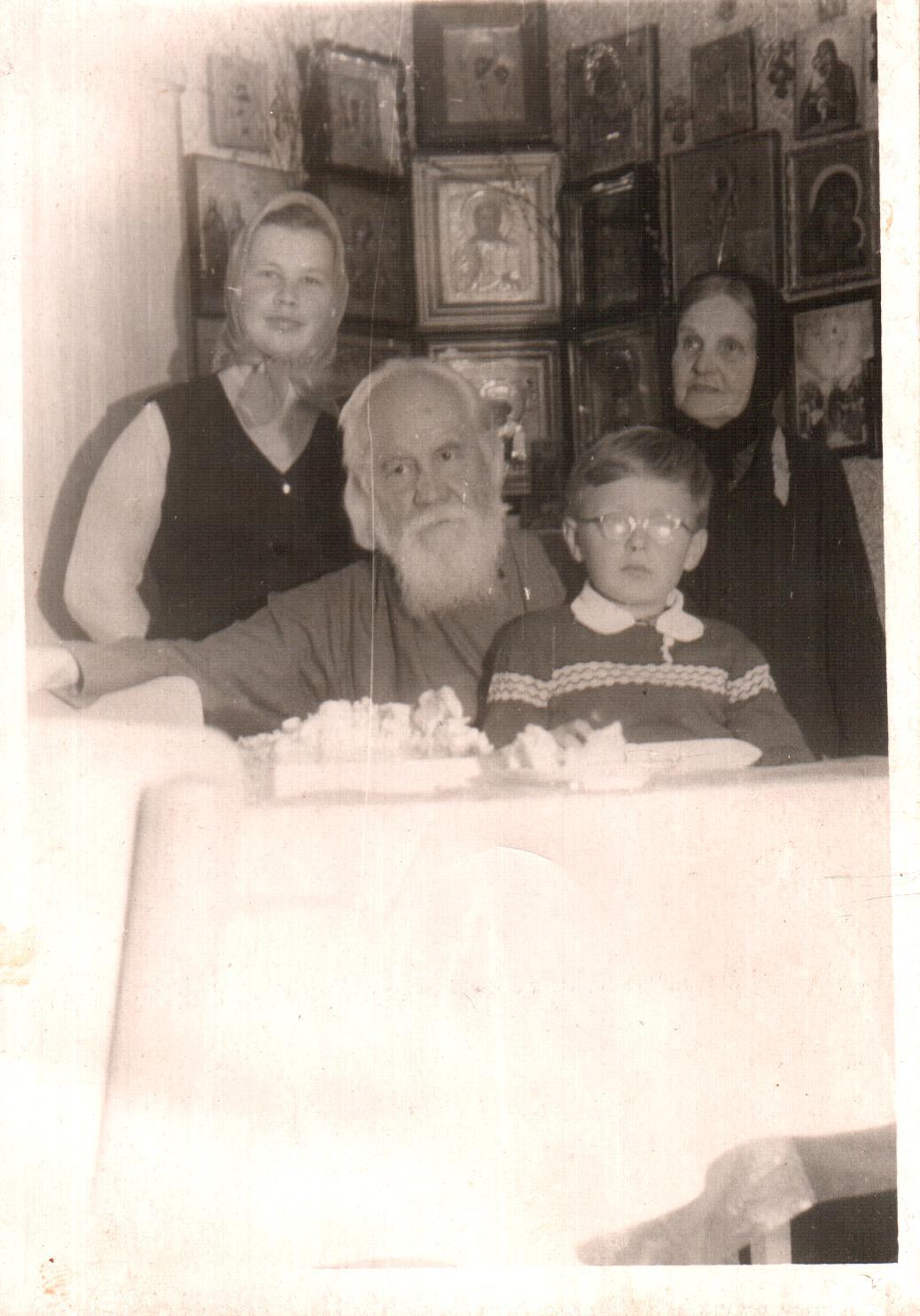 Владыко Иоанн Лаврененко и матушка Анна отца Александра Оборина из Лысьвы
