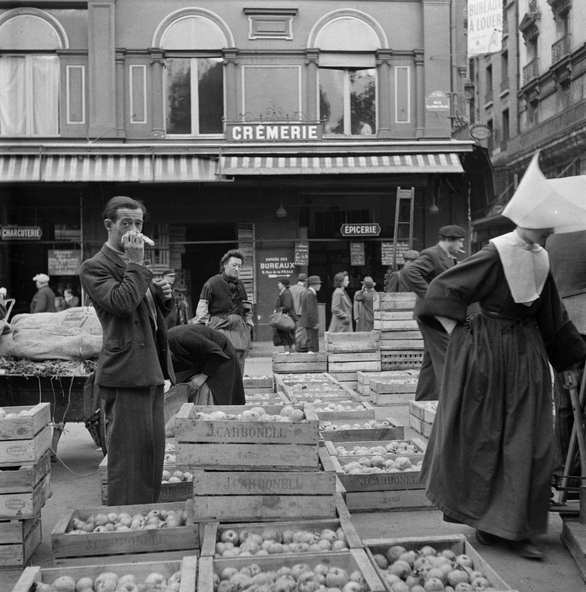 Наиболее порченные овощи и фрукты приобретаются религиозными общинами