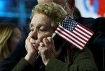 Сторонница Хиллари Клинтон ожидает оглашения результатов голосования на выборах президента США. Нью-Йорк, США, 9 ноября 2016 года. Фото: Carlos Barria / Reuters