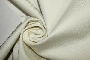 ЛТ932 550руб-м остаток 1,35м Плотная джинса ,цвет молочный,ткань очень плотная,приятная,форму держит,для мужских и женских жакетов,брюк,шорт,жилетов,для юбок,шир.1,50м,хлопок 100%
