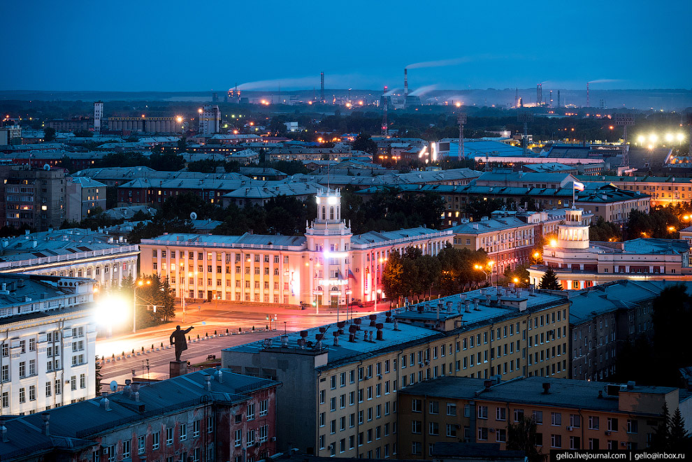 52. Памятник В.Ленину на площади Советов был открыт в апреле 1970 году к столетию со дня рождения Ил