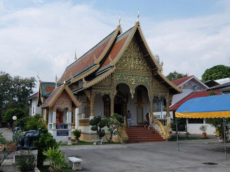 Чиангмай - Ват Чианг Ман - Вход в храм