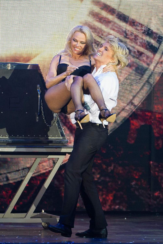 Памела Андерсон на шоу в Германии