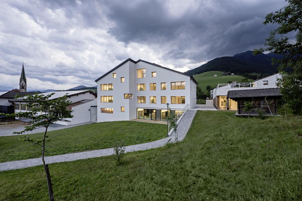 Новый учебный комплекс для детей в Италии