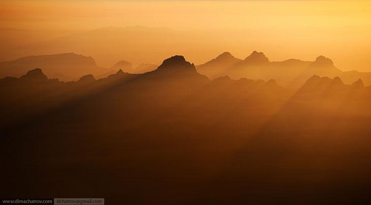 Восхождение на Монблан — кристаллический массив, является высочайшей горой в Альпах.