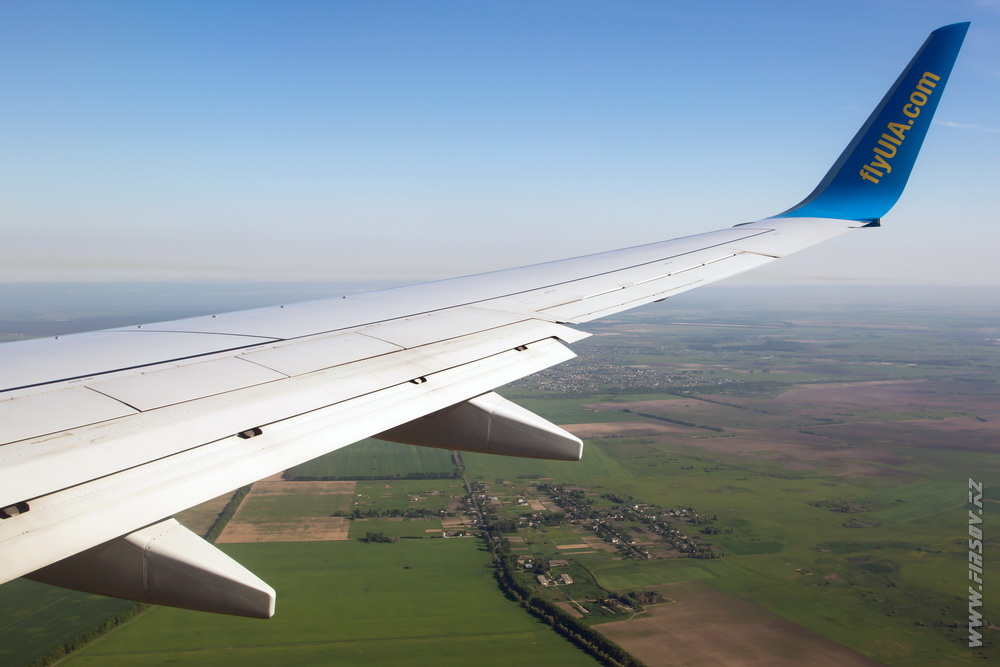 B-737_UR-PSD_Ukraine_International_Airlines_8_ALA_ .JPG