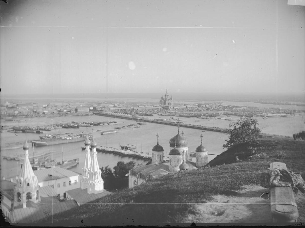 Общий вид на город (на переднем плане – Благовещенская слобода, на дальнем плане – ярмарочная сторона)