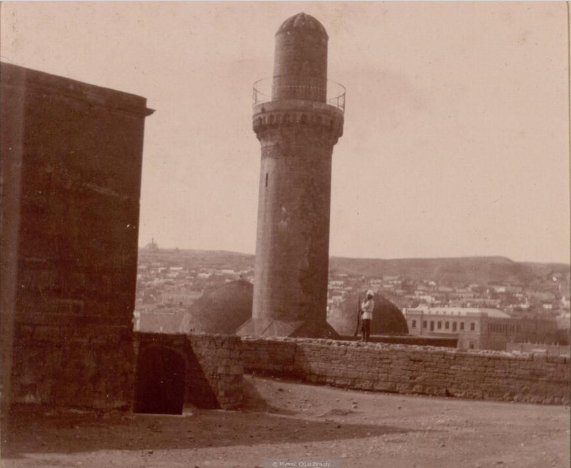 12. Баку. Минарет
