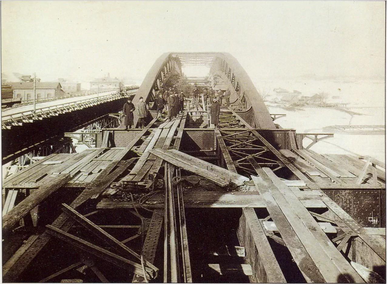 Строительство Андреевского моста. 1907