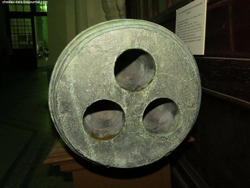пищаль 3-х канал 2-грив (66мм) нач17в Ганс Фальк (Арт музей) _60.JPG