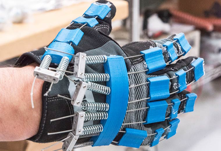 How does it feel when you have 75? – An exoskeleton to simulate the effects of aging