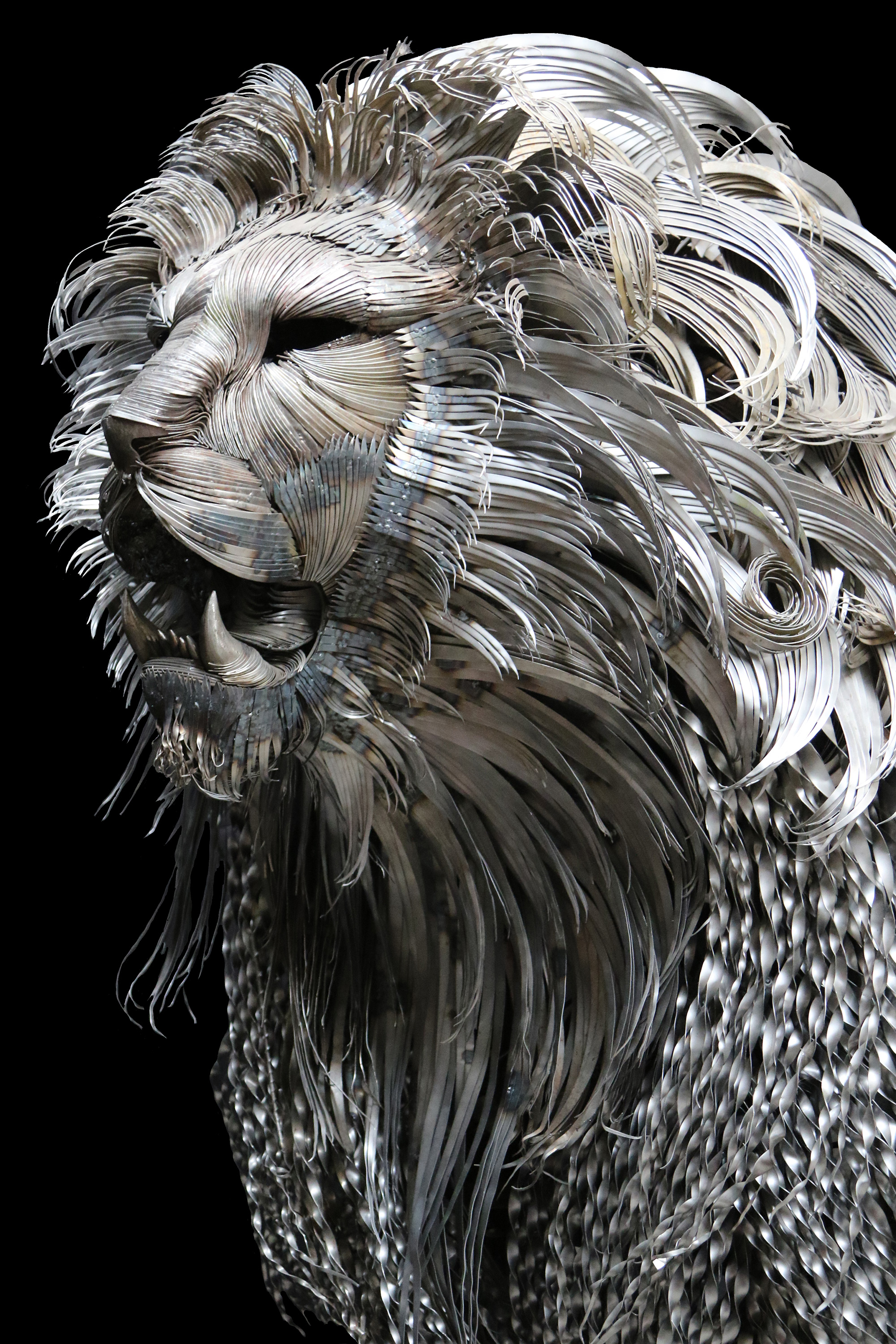 A Towering Hammered Steel Lion by Selcuk Y?lmaz (4 pics)