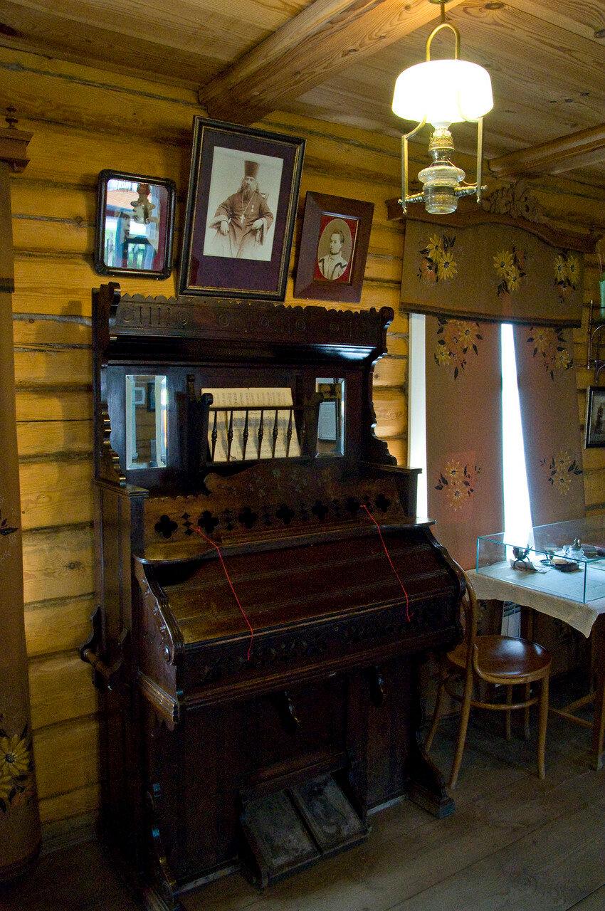 Дом священника Смирнова в селе Константиново.