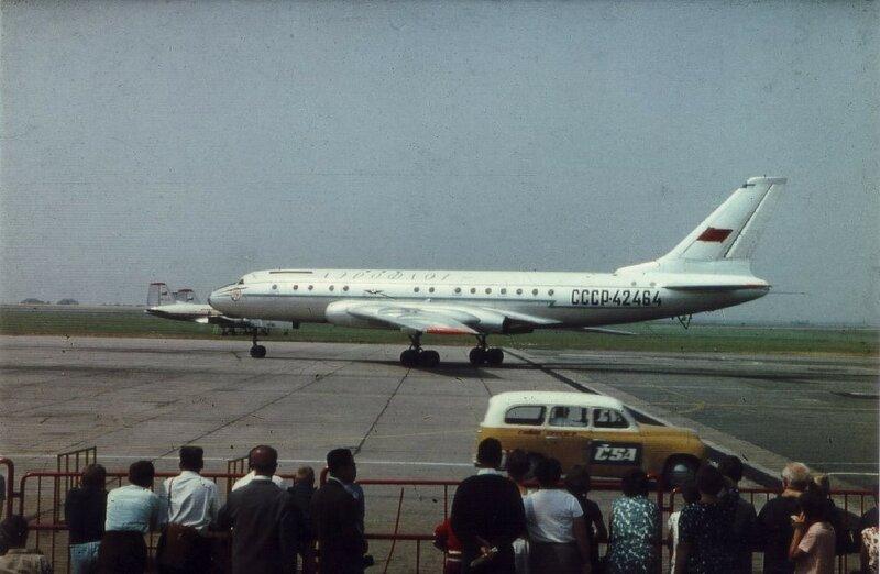 tu104a-cccp-42464-aeroflot-afl-su-prague-ruzyne-prg-lkpr.jpg[.jpg