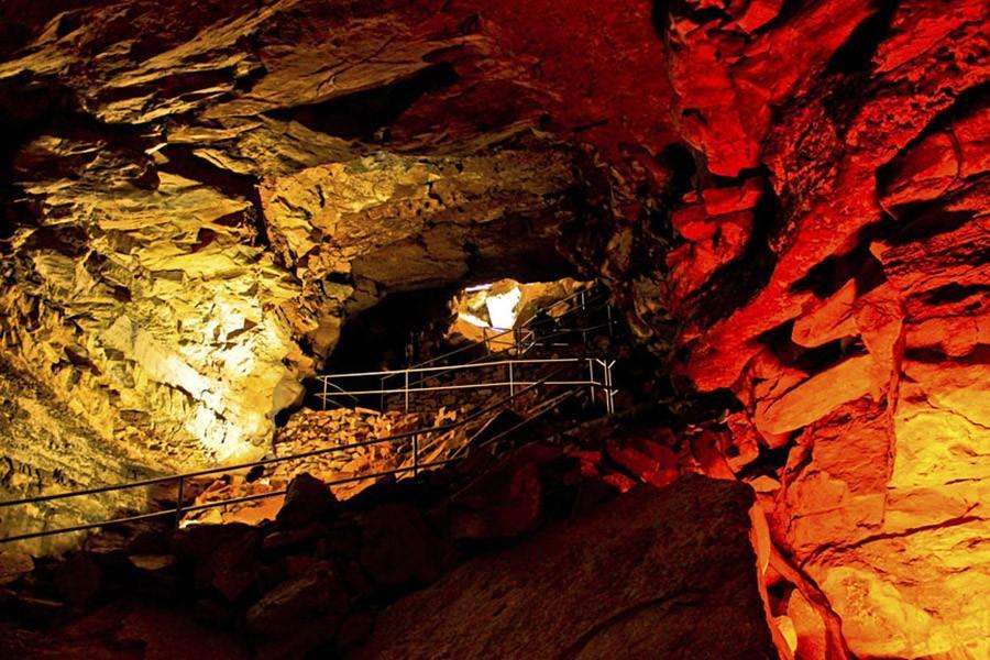 5. Исследуйте пещеры в Национальном парке «Мамонтова пещера» — штат Кентукки, США В Мамонтовой пещер