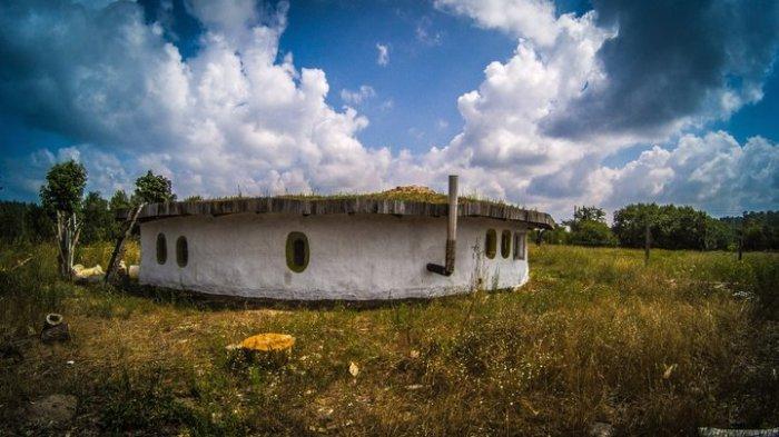 Евгений Раевский живет в поселке Мирный (Гомельская область, Беларусь), но, несмотря на это, он дост