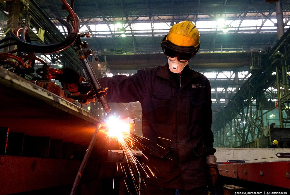 30. Предприятие производит работы по размерной модернизации судов и переоборудованию судов класса ре