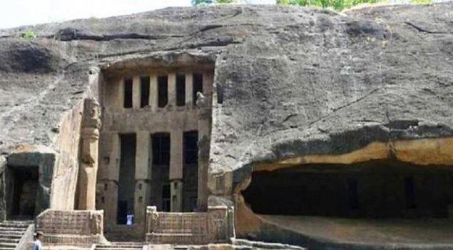 Пещера  в окрестностях Мумбаи. 1819.
