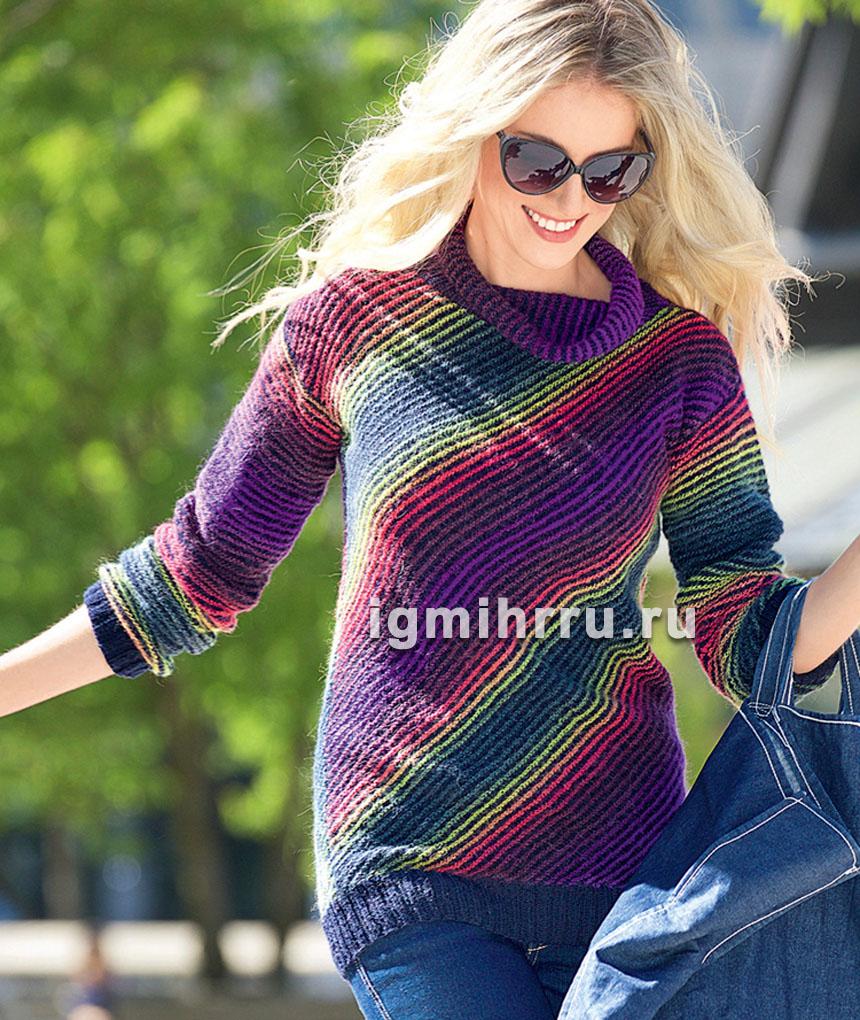 Пуловер в разноцветную диагональную полоску. Вязание спицами