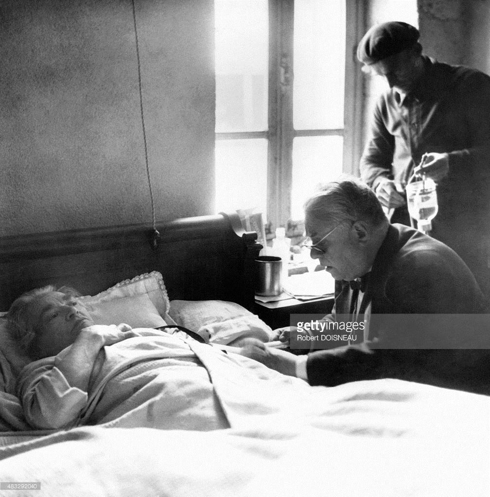 1947. Эдмонд, деревенский врач посещает и лечит пациента на дому