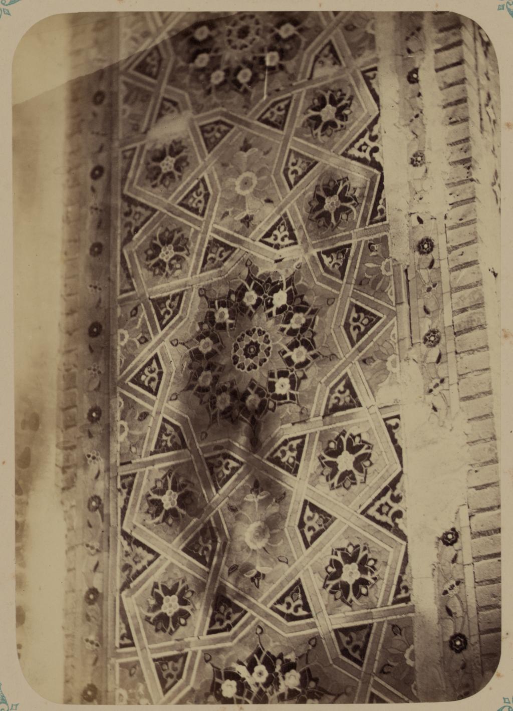 Мавзолей Туман-Ака Нури. Часть отделки панели входной ниши в мавзолее Туман-Ака
