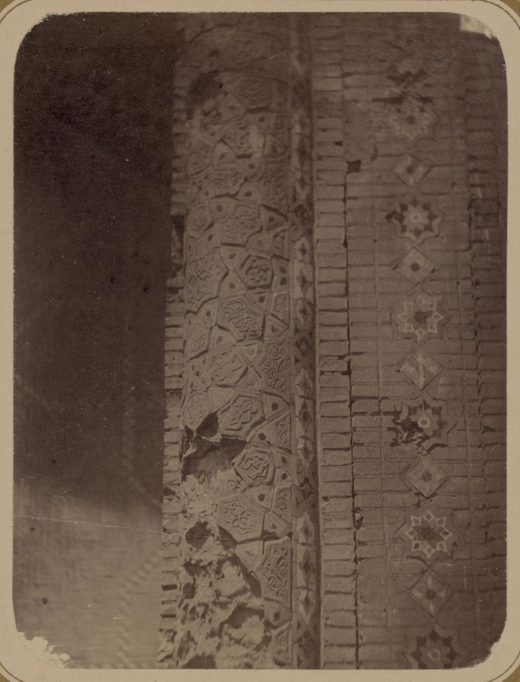 Медресе Биби Ханым. Соборная мечеть. Часть (опоры) колонны