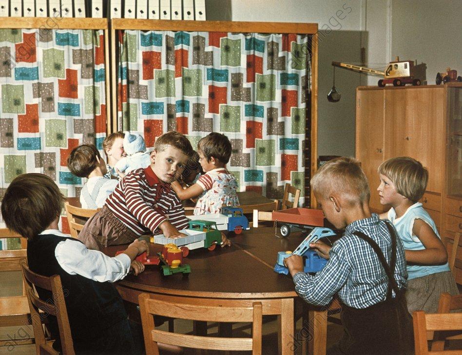 Kindergrippe DDR / Foto um 1960 - -