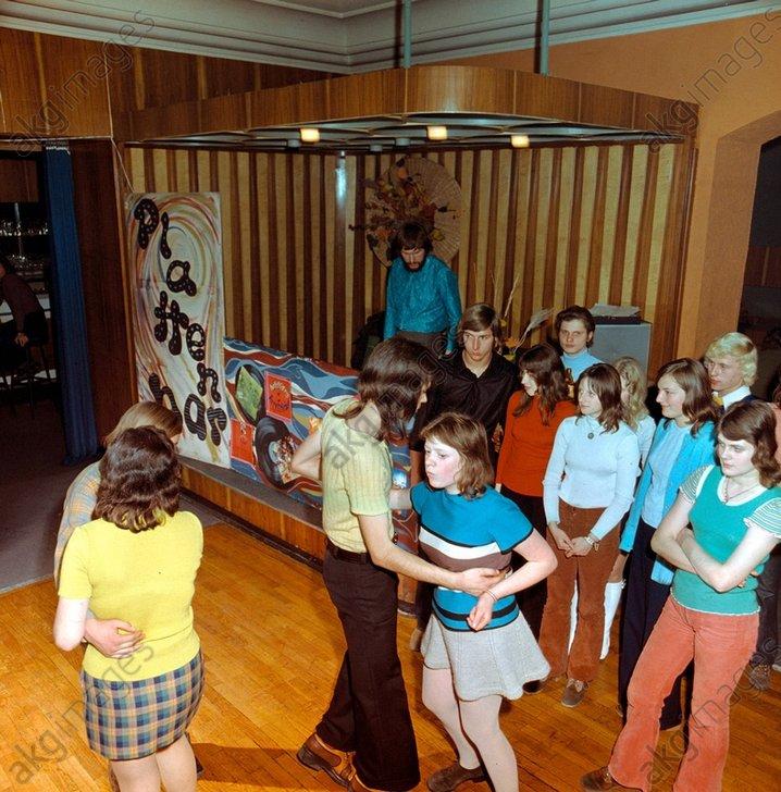 Diskothek in Merseburg (DDR), Foto - Disco in Merseburg / Photo / 1970s - Musique / Danse / Danses de sociйtй : discothиque.