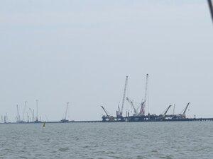 Строящийся мост в Крым
