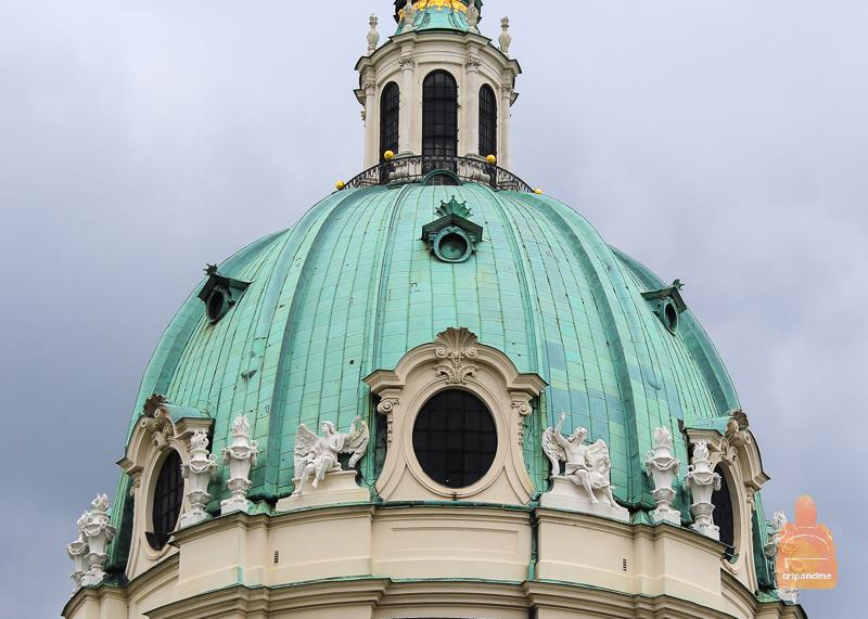 Купол Карлскирхе в австрийской столице