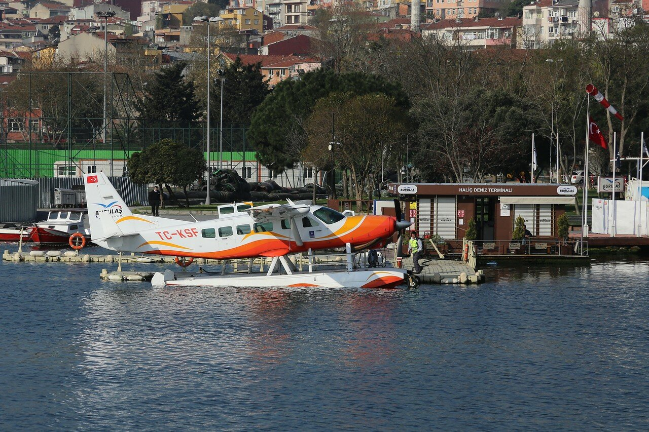 Стамбул. Станция гидросамолетов в заливе Золотой Рог (Haliç Deniz terminal)