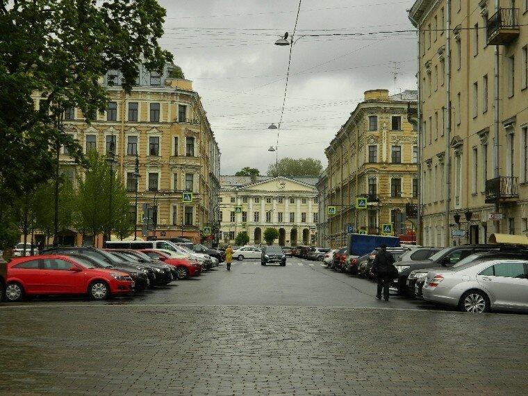 Итальянская улица (отрезок,  ведущий к Фонтанке)