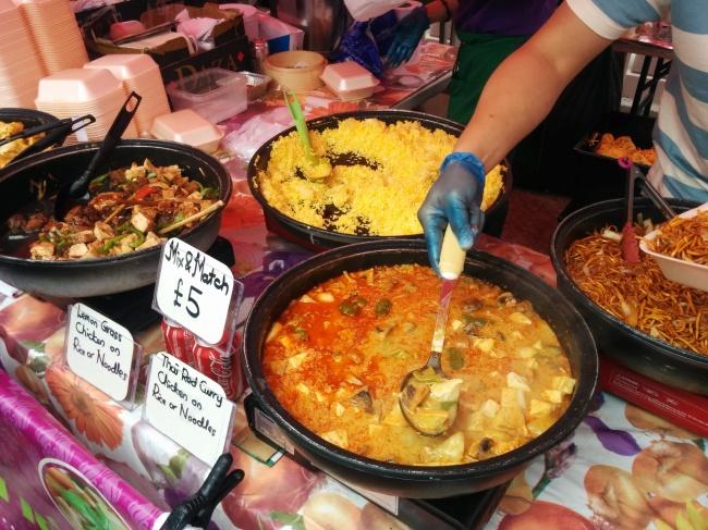© Ludhi85/flickr  Уличная еда продается вовсех азиатских странах, будьто Вьетнам или Таиланд