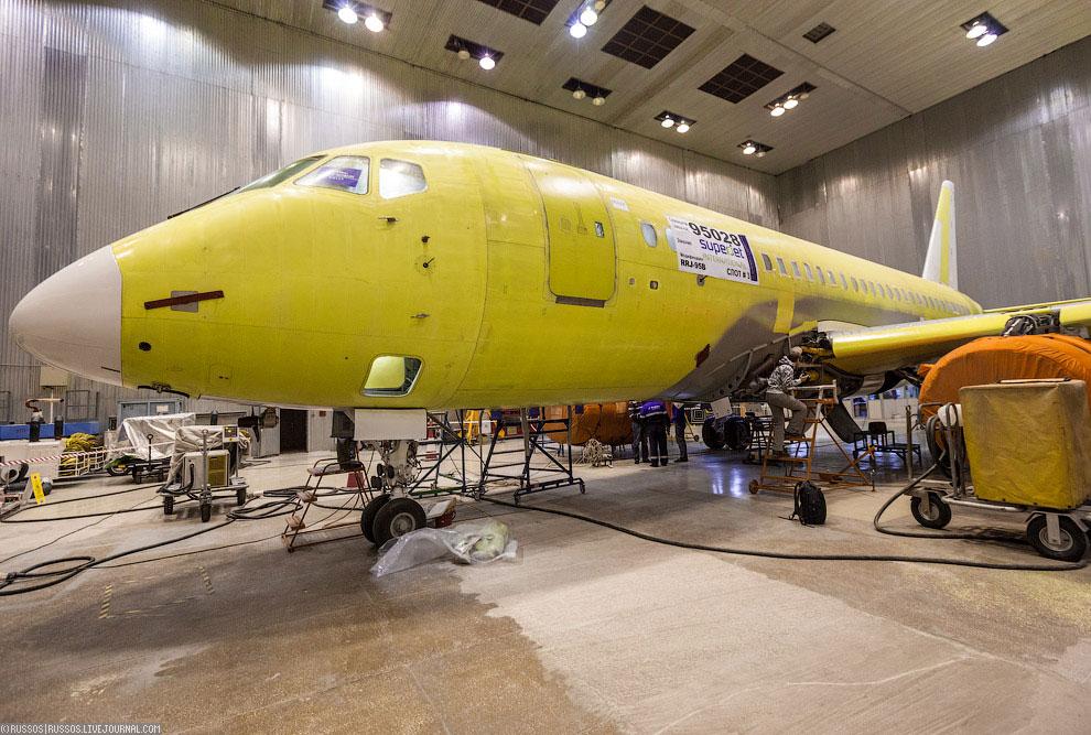 Панорама. В центре — машина 95025 — версия full для Аэрофлота. Это была экскурсия на производ