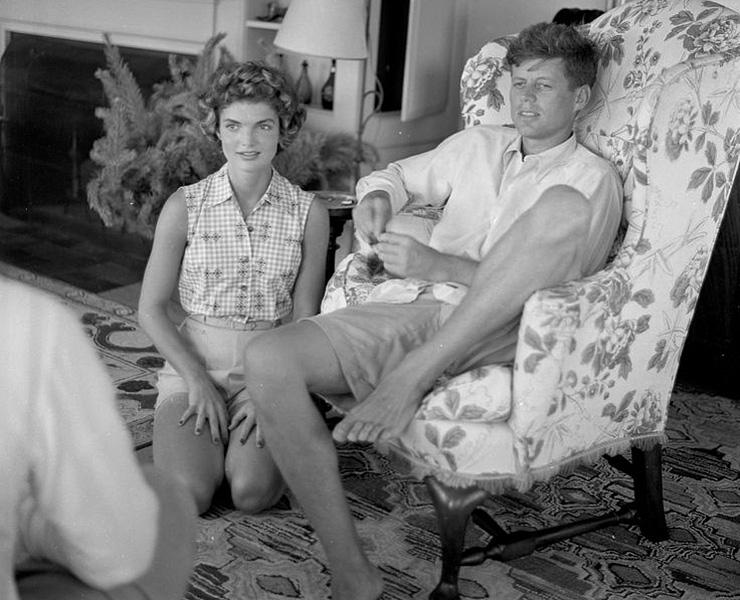 Жаклин Кеннеди терпела многочисленные измены мужа   После свадьбы все казалось Дж