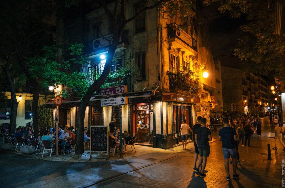 22. Наблюдая за городской жизнью, сложно сказать, что Валенсия входит в «тройку» самых посеща
