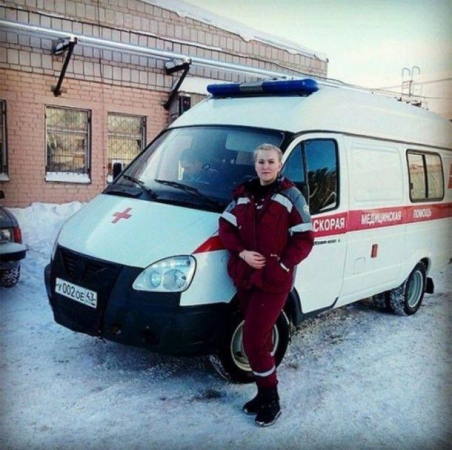 Два года назад 25-летняя фельдшер скорой помощи была уволена за селфи в социальных сетях с хейтерски