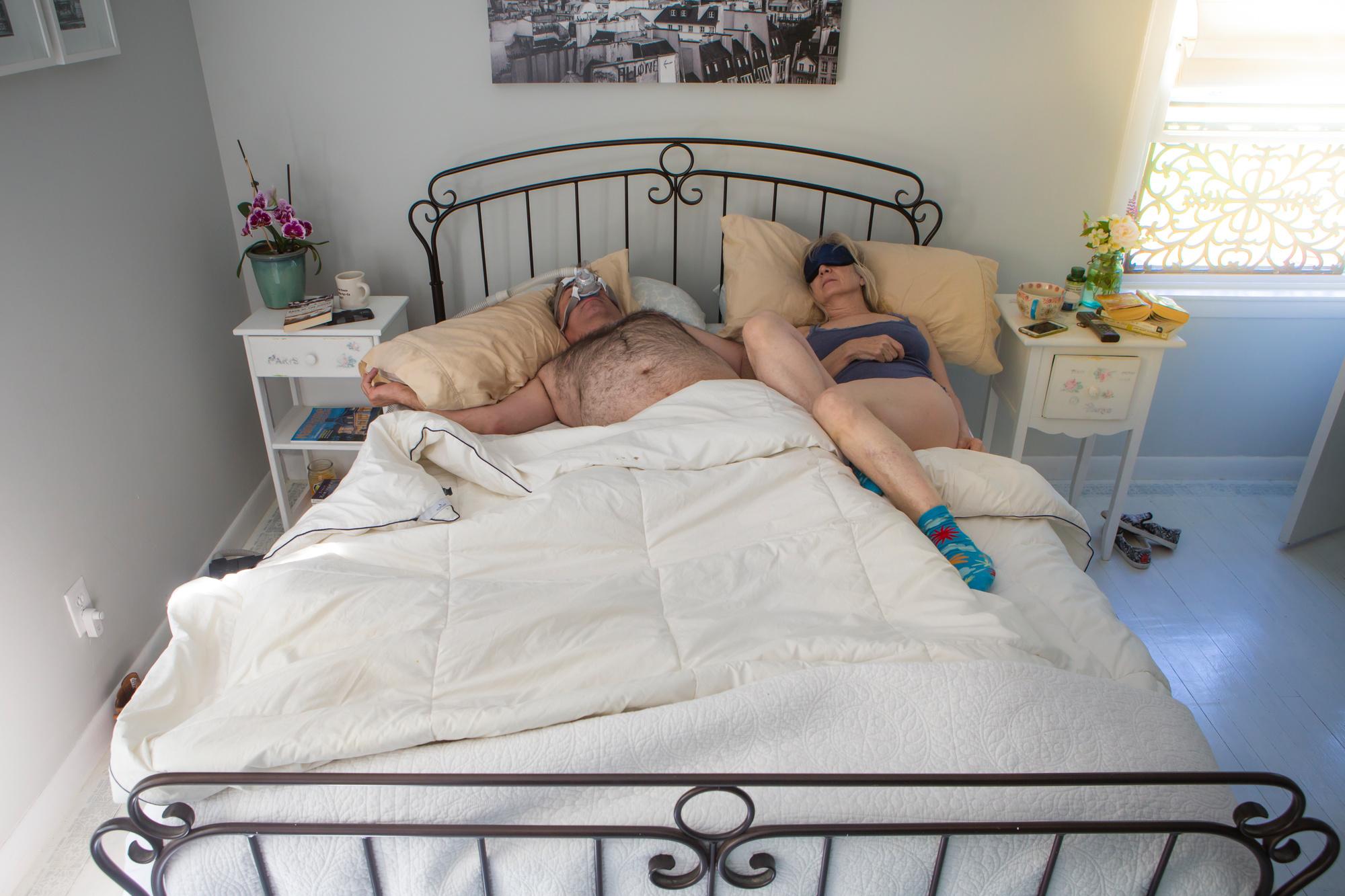 Супружеская пара средних лет: «Наконец-то наша комната красивая. А вот мы… не очень!»