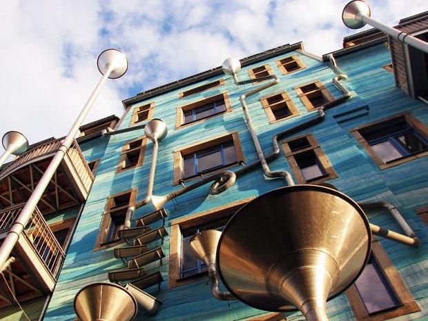 Musical Rain Gutter Funnel Wall – Dresden (10 pics)