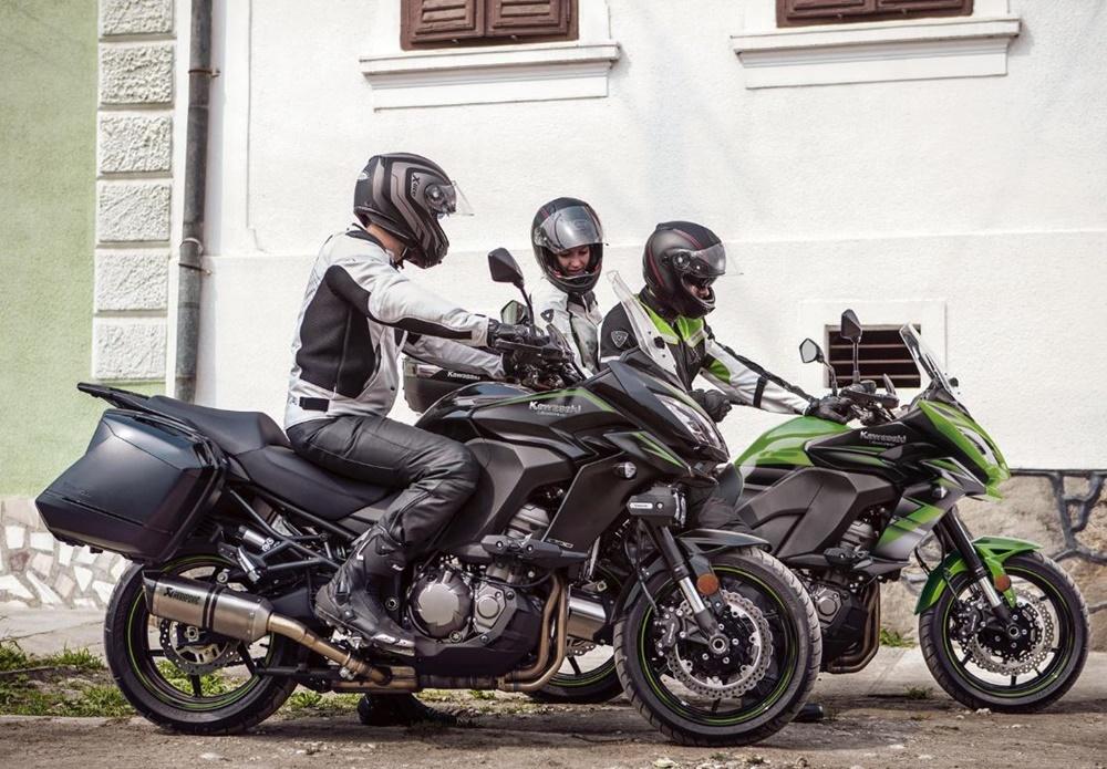 Новые расцветки мотоциклов Kawasaki Versys 2018
