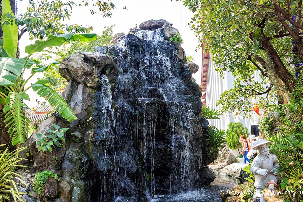 водопад в ват по