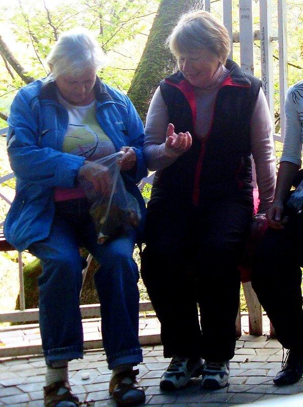 Нина Левада, октябрь 2009, Горячий Ключ и его окрестности, поездка на КСП (9).JPG