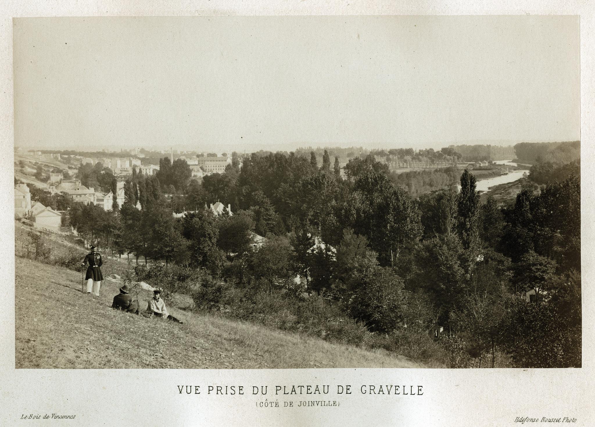 Вид с возвышенности Гравель на Жуанвиль
