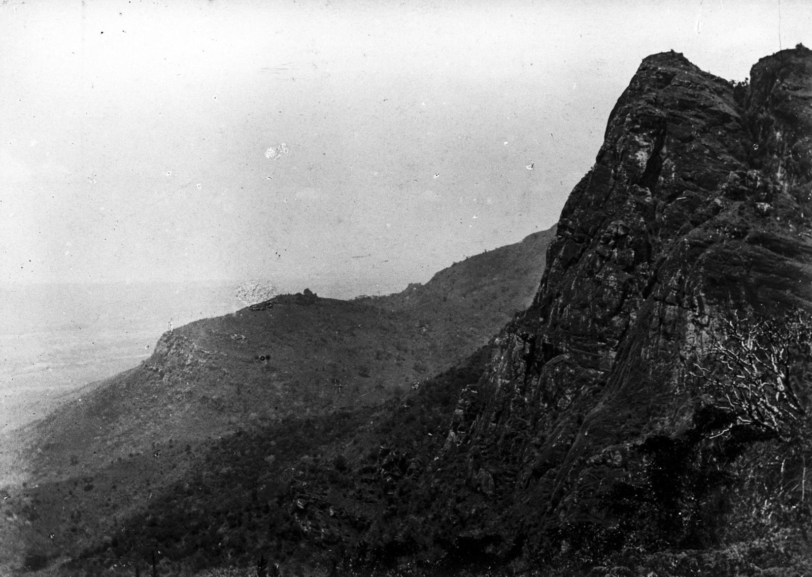 92. Западный склон гор Усамбары