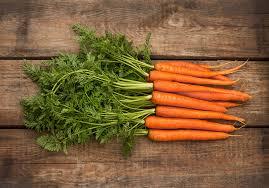 1 ноября. Всемирный день вегана. Морковь с ботвой
