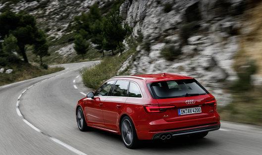 Audi отзывает вРФ автомобили моделей A4, A5, Q5 из-за риска возгорания