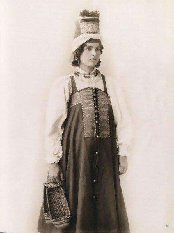 0 17a7e1 f0abad2b XL - Девушки в древних славянских костюмах на старинных фотографиях