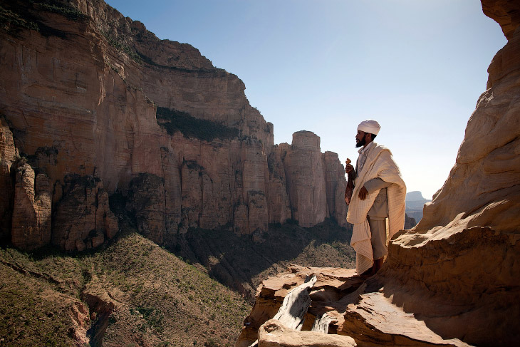 1. Эфиопия красива. Чего стоит, например, вулкан Даллол, известный своими внеземными пейзажами,