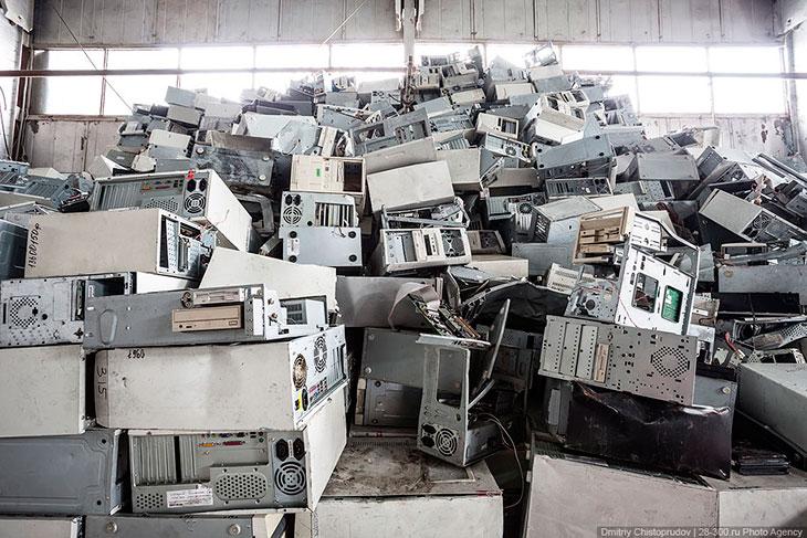 На фоне снижения роли государства в управлении переработкой отходов в России, в развитых страна